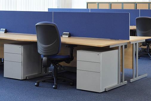 Cantilever Desk Layout